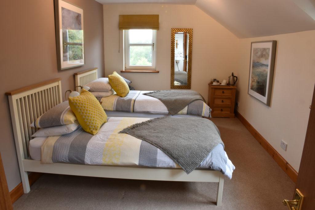 Killoran House Room Fladda 11