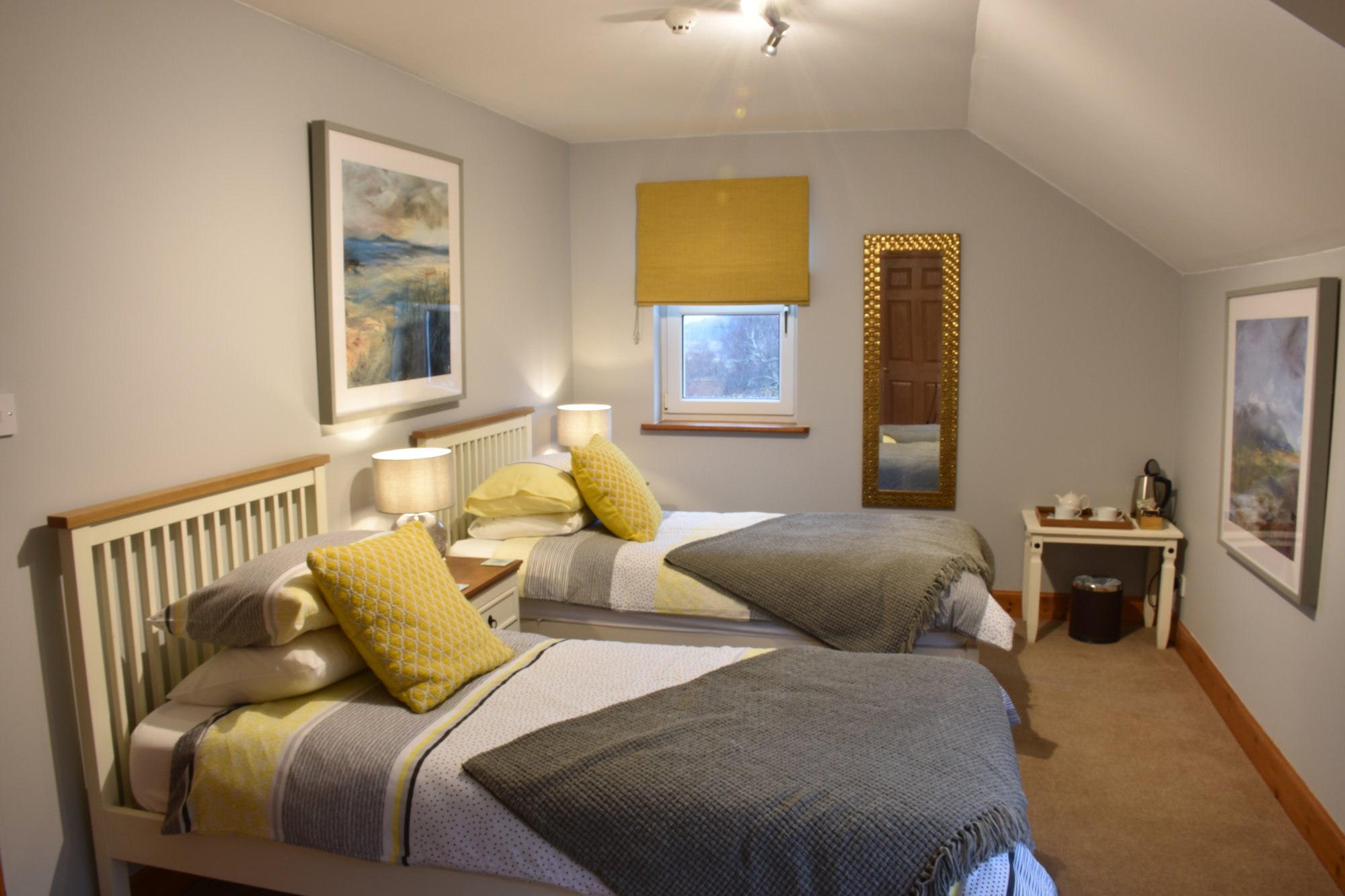 Killoran House Guest Room – Fladda