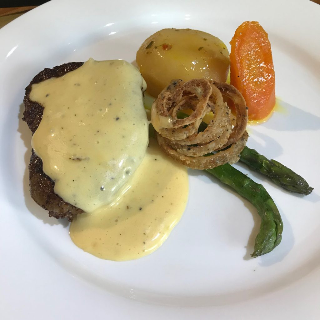 20190628 - Fillet Steak with Béarnaise Sauce & Black Pepper Onion Rings