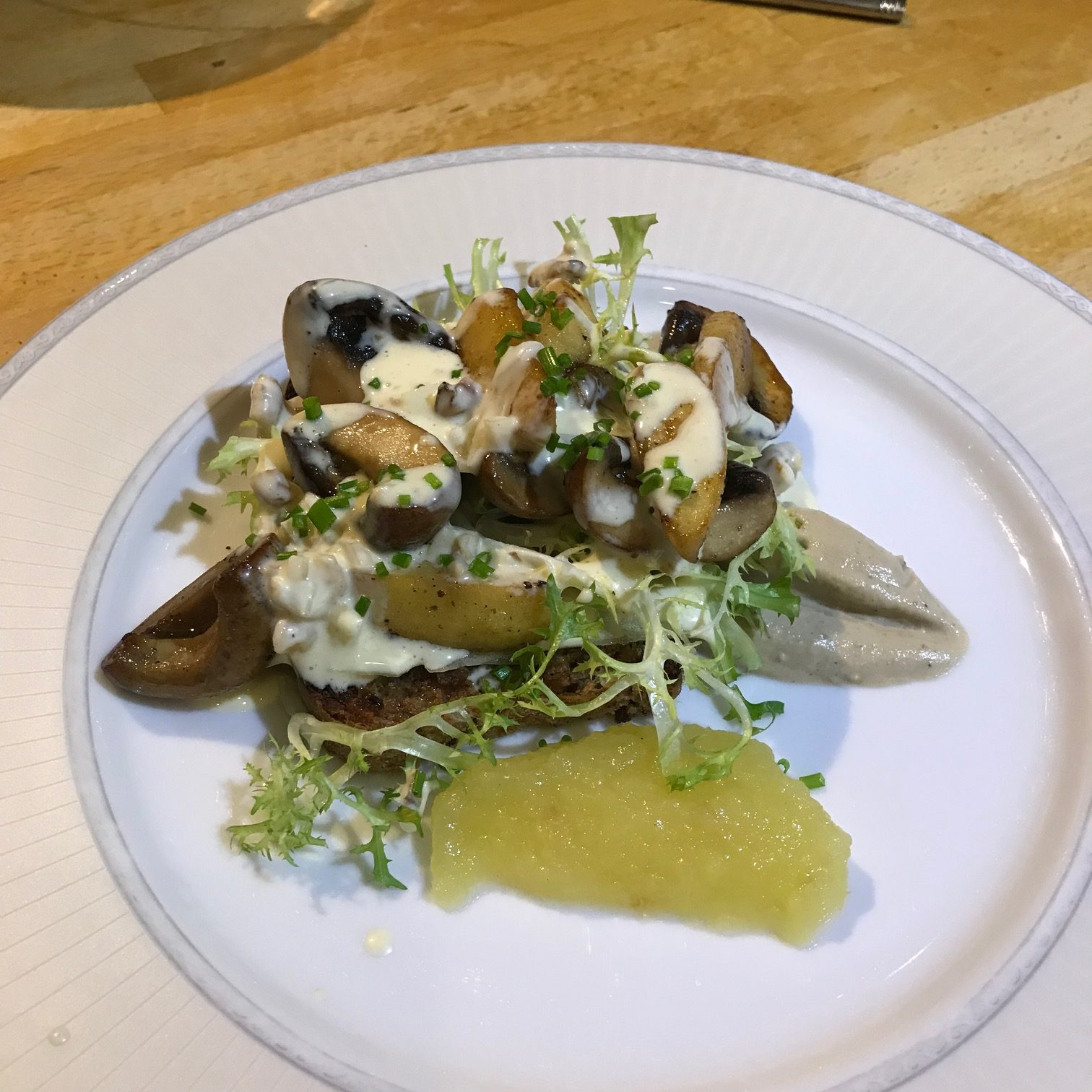 20190911 - Chestnut Mushrooms with Apples on Walnut Toasts with a Dijon Mustard Dressing