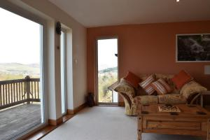 Killoran House Guest Lounge Overlooking Dervaig