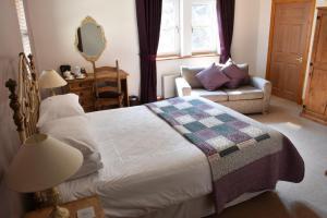 Killoran House Guest Bedroom Soa