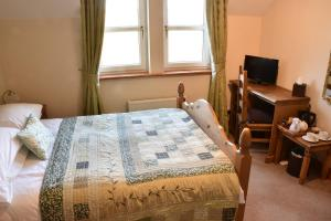 Killoran House Guest Bedroom Iona